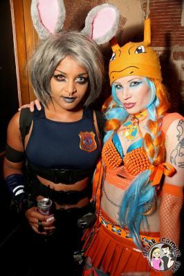 2016-07-23 cosplay night